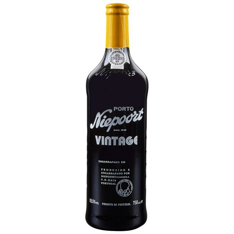 Another classic Niepoort vintage: combining balance with superb concentration, and at the same time very fine and delicate, aromas of ripe dark fruits, damsons and hints of black pepper. Intense on the palate and full bodied with a long rich finish.